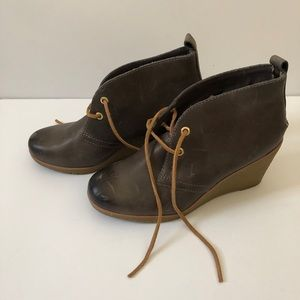 Sperry Harlow Graphite Leather Wedges